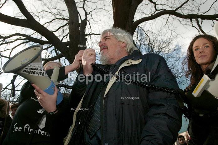 Paul Mackney NATFHE adddresses student lobby of Parliament against university top-up fees. - Jess Hurd - 2004-01-27
