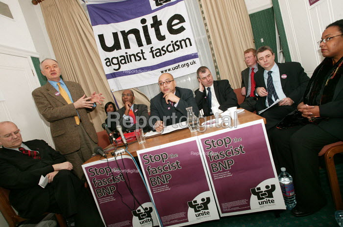 Ken Livingstone addresses a press conference for the launch of Unite Against Fascism a coalition to stop the electoral advance of the BNP. London. - Jess Hurd - 2004-02-03
