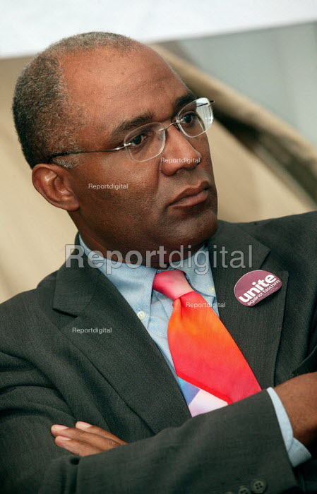 Trevor Phillips at a press conference for the launch of Unite Against Fascism a coalition to stop the electoral advance of the BNP. London. - Jess Hurd - 2004-02-03