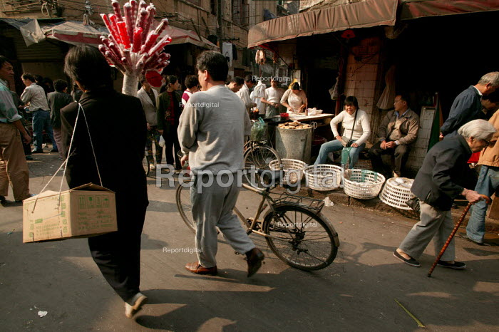 Old Town Ghost Market, Shanghai, China. - Jess Hurd - 2003-10-26