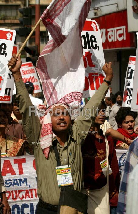 World Social Forum, Mumbai, India. - Jess Hurd - 2004-01-23
