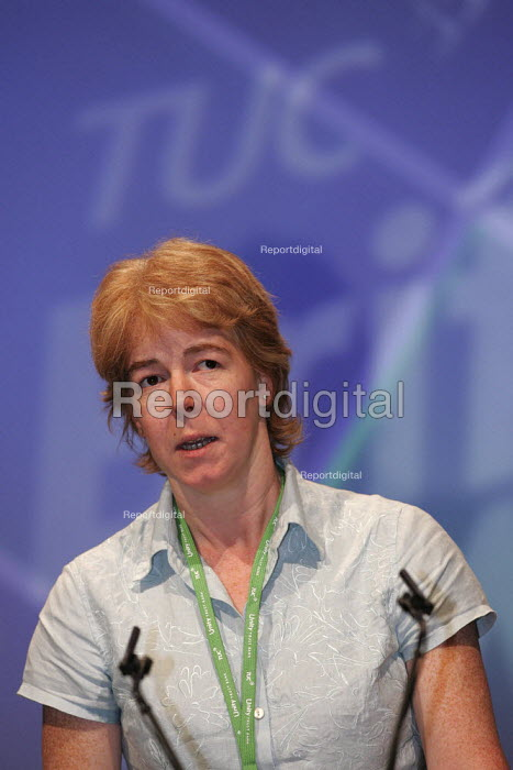 Helen Rose UNISON speaks at TUC Conference, Brighton. - Jess Hurd - 2004-09-13