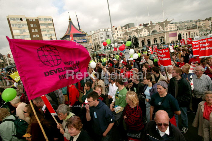 Vote for Trade Justice, Ballot on the Beach demonstration outside Labour Party Conference. - Jess Hurd - 2004-09-26