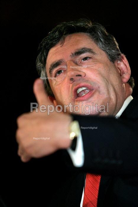 Gordon Brown MP speaks Labour Party Conference. Brighton. - Jess Hurd - 2004-09-27