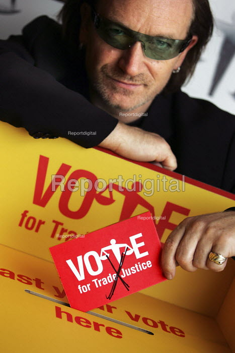 Bono, lead singer of rock band U2. votes for Trade Justice. - Jess Hurd - 2004-09-29