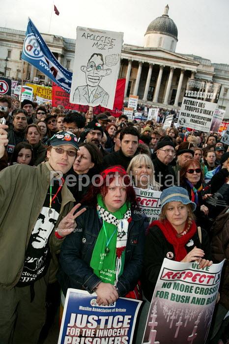 Anti war demonstration at the end of the European Social Forum held at Alexandra Palace. Trafalgar Square, London. - Jess Hurd - 2004-10-17