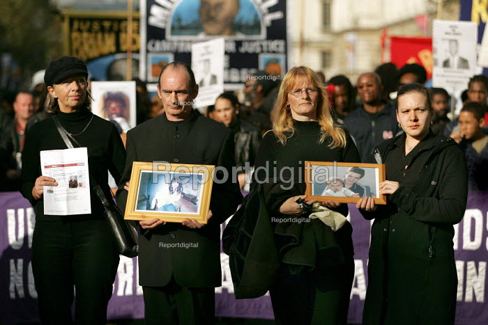 Parents and twin sister of Petra Blanksby 19 yrs who died in New Hall Prison, found hanged. United Families and Friends Campaign march to Downing Street. London. - Jess Hurd - 2004-10-30
