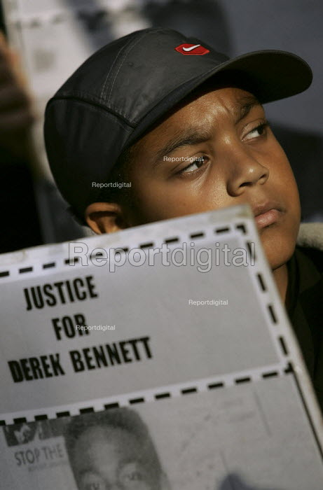 The family of Derek Bennett who was killed by the police. he was shot in the back four times at point blank range. United Families and Friends Campaign march to Downing Street. London. - Jess Hurd - 2004-10-30