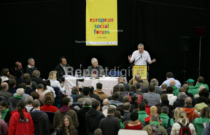 Barry Campfield CWU speaks at a Trade Union Rights in the era of globalisationa seminar at the European Social Forum, Alexandra Palace. - Jess Hurd - 2004-10-16