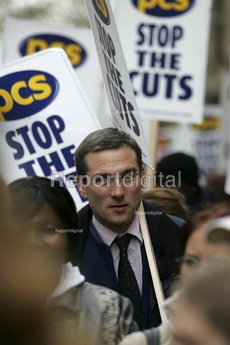 PSC demonstration. PCS Civil Service Union one day strike against job cuts. London. - Jess Hurd - 2004-11-05