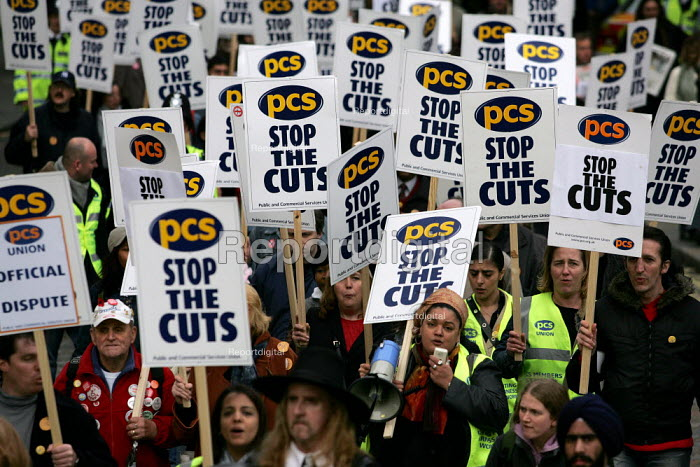 PCS demonstration. PCS Civil Service Union one day strike against job cuts. London. - Jess Hurd - 2004-11-05
