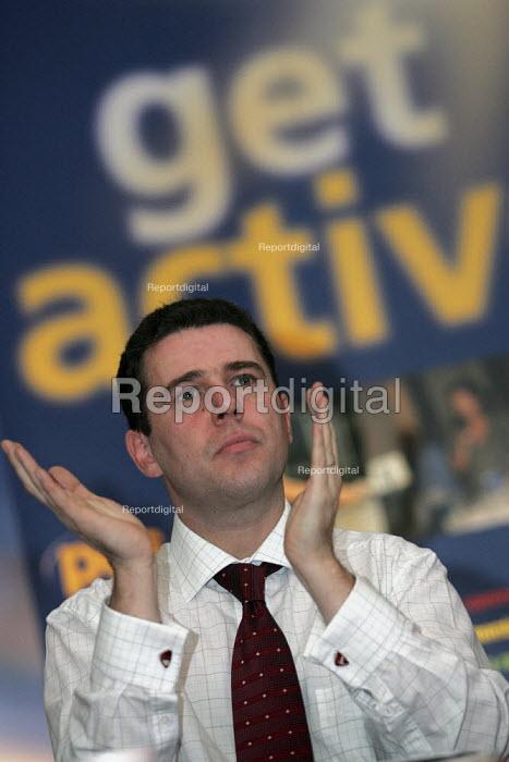 PCS Gen Sec Mark Serwotka. Civil Service Union one day strike rally against job cuts. London. - Jess Hurd - 2004-11-05