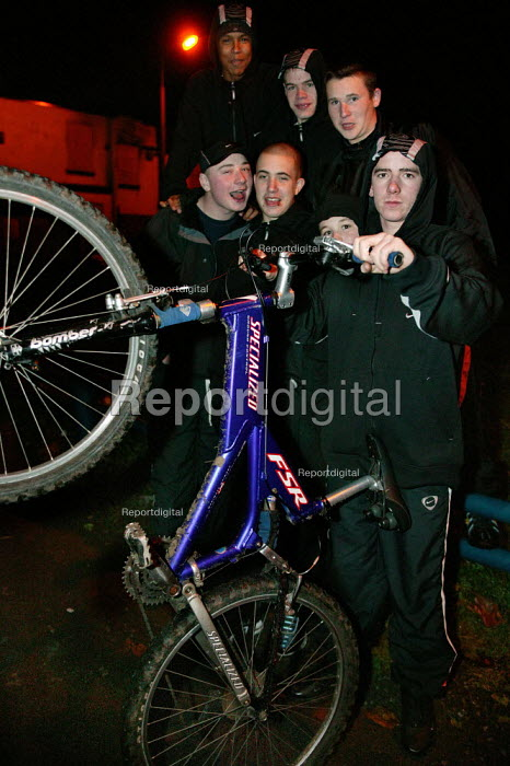 Youth hang out on a derilict estate in Lower Broughton. They feel that they are being stopped unfairly in the street by the police when they are wearing a hood. City of Salford. - Jess Hurd - 2004-11-08