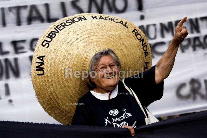 Brazilian protester joins the opening march of the World Social Forum. Caracas, Bolivarian Republic of Venezuela. - Jess Hurd - 2006-01-24