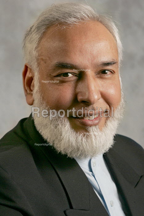 Respect candidate Abdul Khaliq selected to contest an East london parliamentary seat in the 2005 General Election. - Jess Hurd - 2005-01-09