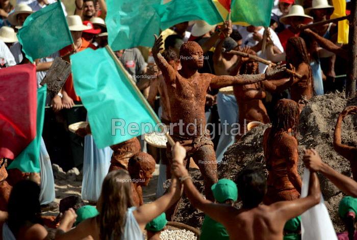 Traditional ritual preformed as President Hugo Chavez of Venezuela visits a Movimento dos Trabalhadores Rurais Sem Terra (MST, Landless Workers Movement) occupation in Tapes. World Social Forum, Porto Alegre Brazil. - Jess Hurd - 2005-01-30