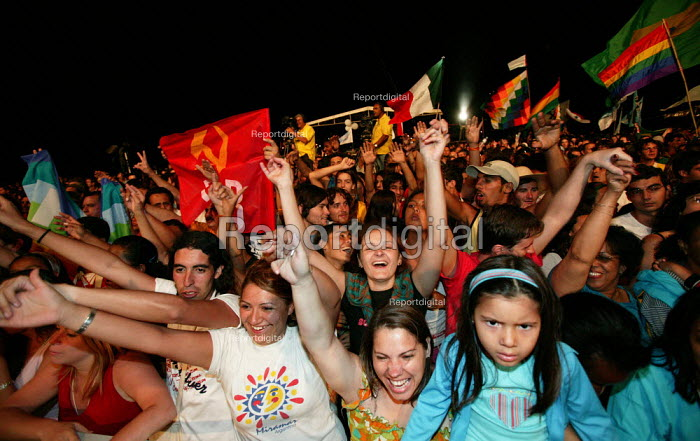 Opening rally at the World Social Forum, Porto Alegre Brazil. - Jess Hurd - 2005-01-26
