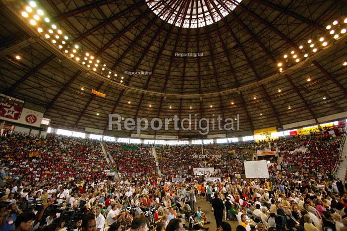 World Social Forum, Porto Alegre Brazil. President Lula launches the Global Campaign Against Poverty G-CAP - Jess Hurd - 2005-01-27