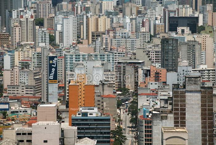 The sprawling industrial City of Sao Paulo, Brazil - Jess Hurd - 2005-02-09