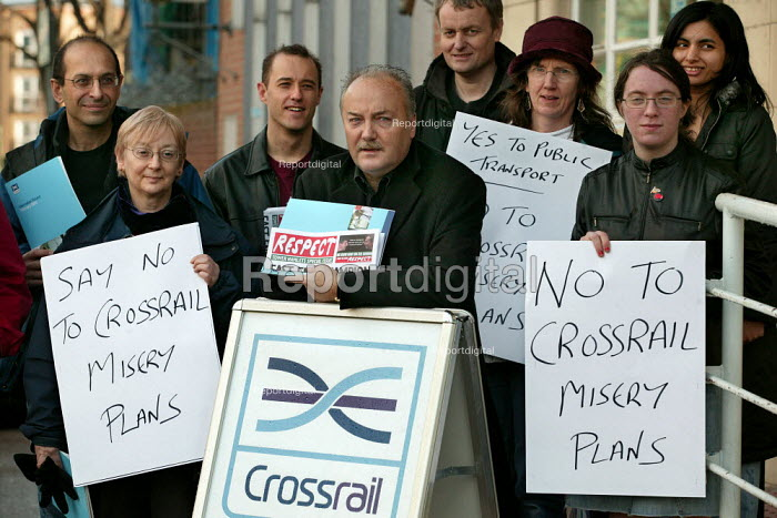 George Galloway Respect MP campaigns outside an exhibition promoting Crossrail. East London. - Jess Hurd - 2005-02-12