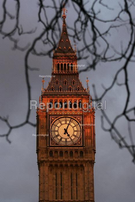 Big Ben at sunset. Houses of Parliament, Westminster. London. - Jess Hurd - 2005-02-15