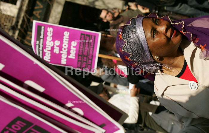 Demonstration supporting refugees and asylum seekers on International Refugee Day. London. - Jess Hurd - 2005-04-02