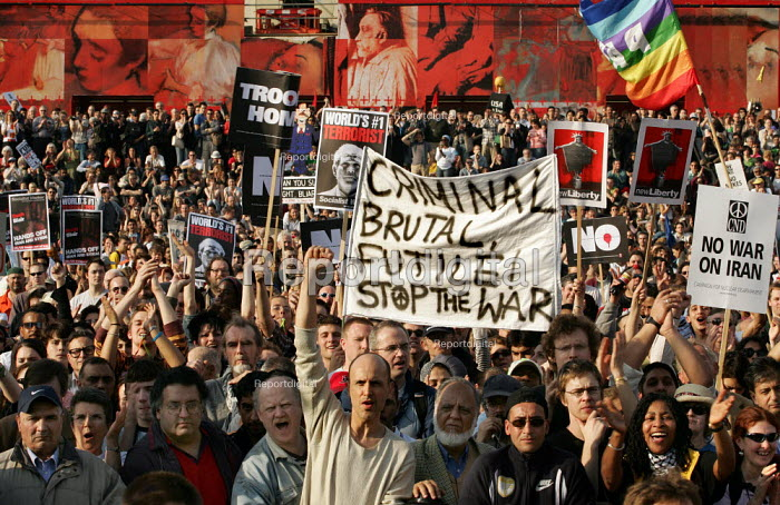 Stop the War Coalition Bring the troops Home demonstration calling for an end to the occupation of Iraq. Supported by CND and MAB. London. - Jess Hurd - 2005-03-19