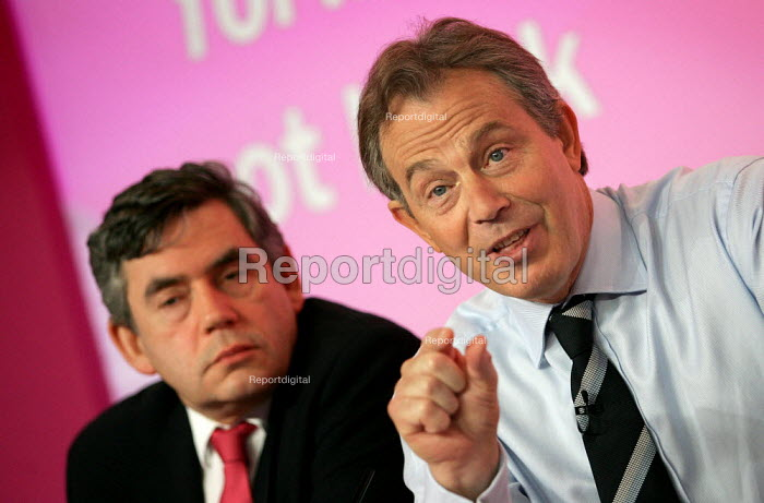 Tony Blair and Gordon Brown MP at a Labour Party General Election press conference on Crime. London. - Jess Hurd - 2005-04-21