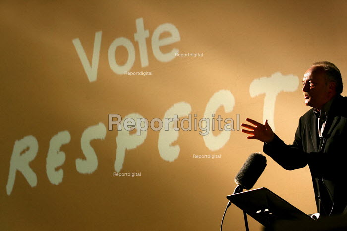 George Galloway MP speaks at a Respect General Election Rally at the Bishopsgate Institute. London. - Jess Hurd - 2005-04-06