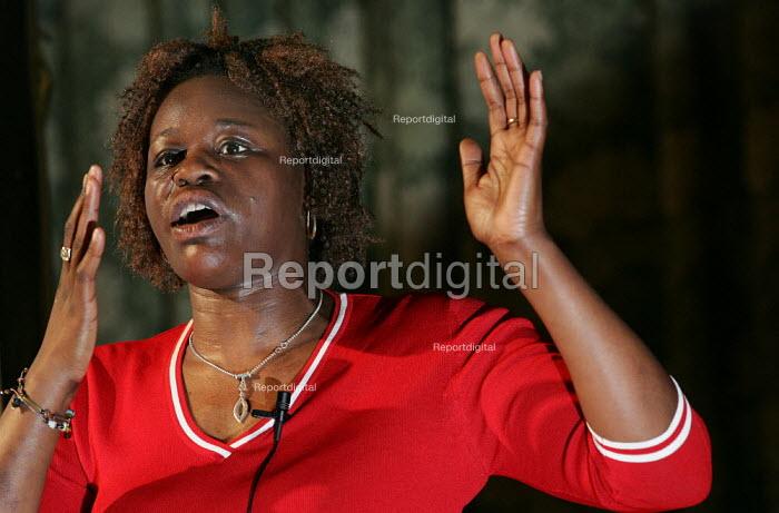 Janet Alder speaks at a Respect General Election Rally at the Bishopsgate Institute. London. - Jess Hurd - 2005-04-06