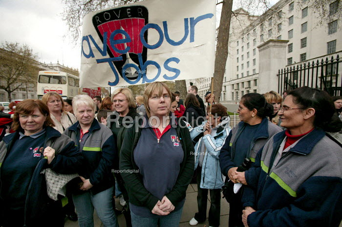 Longbridge women and their families at Downing Street protesting against thousands of proposed job looses at MG Rover in Birmingham. - Jess Hurd - 2005-04-13