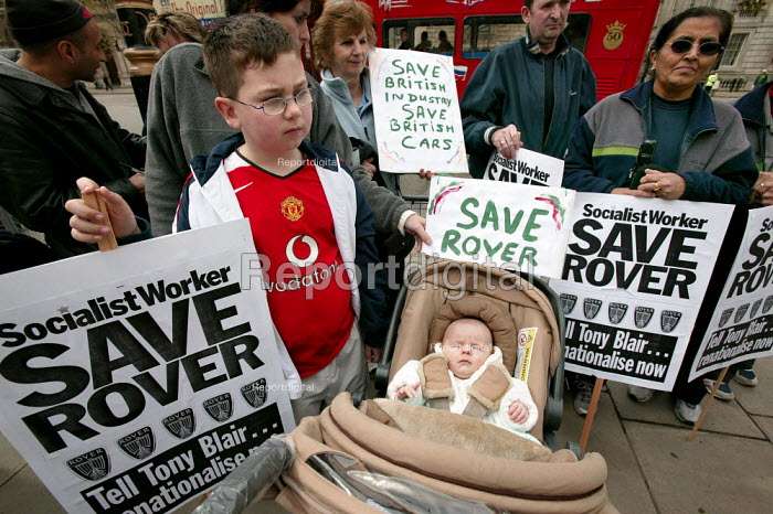 Longbridge workers and their families arrive at Downing Street to protest against thousands of proposed job loses at MG Rover in Birmingham. - Jess Hurd - 2005-04-13