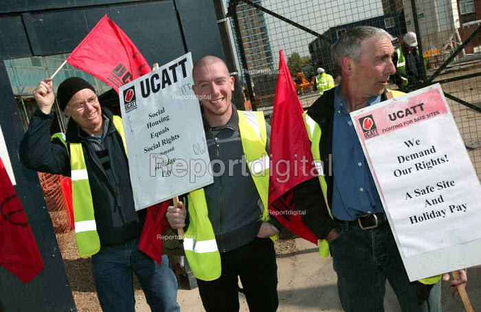 UCATT building workers protest about imposed freelance contracts with no holiday entitlement outside a Community Housing Association site in Plaistow, Newham, East London. - Jess Hurd - 2005-05-18