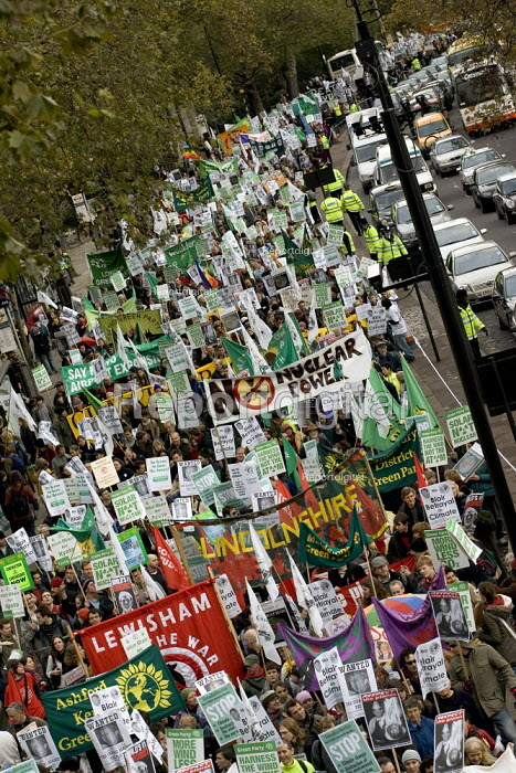 Demonstration Against Climate change. The London Demo is part of the International Day of Climate Protest planned around the world. - Jess Hurd - 2005-12-03