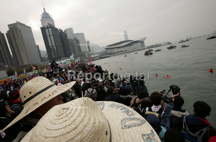 Demonstrations on the opening day of the WTO Ministerial Meeting in Hong Kong. - Jess Hurd - 2005-12-13