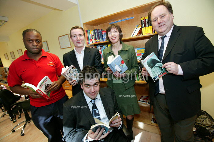 To celebrate World Book Day, Royal Mail Chief Executive Adam Crozier, TUC Dep Gen Sec Frances O'Grady and CWU Gen Sec Billy Hayes with a new borrowing shelf at Mount Pleasant Sorting Office in North London. - Jess Hurd - 2006-03-02