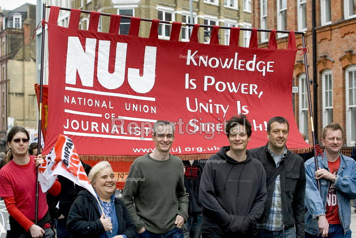 NUJ banner. International Workers Day May Day march, London. - Jess Hurd - 2006-05-01