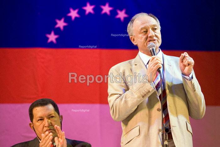 Mayor Ken Livingstone welcomes President of Venezuela Hugo Chavez as he visits London. Camden Town Hall. - Jess Hurd - 2006-05-14
