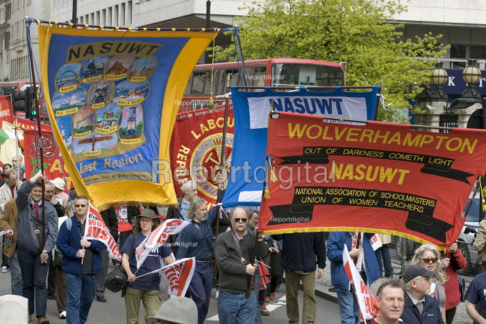 NASUWT banners. International Workers Day May Day march, London. - Jess Hurd - 2006-05-01