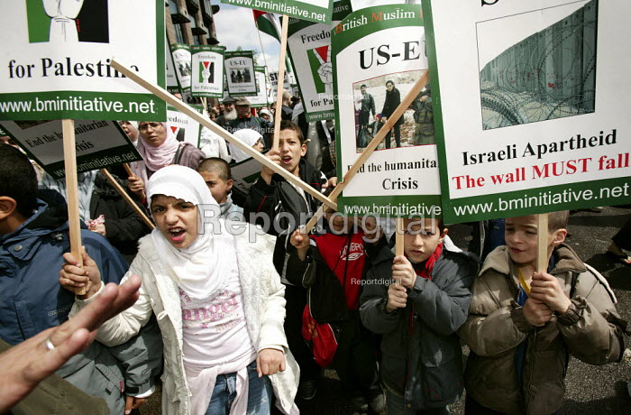 March for Palestine. Against Israeli occupation and the Apartheid wall. Central London. - Jess Hurd - 2006-05-20