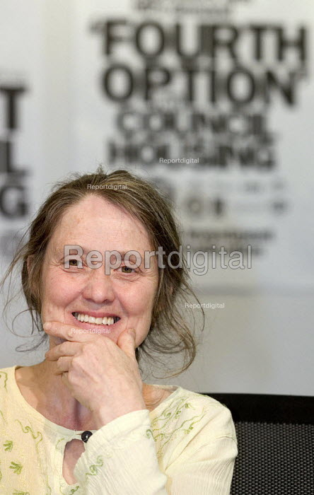 Eileen Short NUJ speaks at a Defend Council Housing Conference. United to win the 'Fourth Option' all those in areas retaining council housing, those with ALMOs and those still to decide. Congress House. - Jess Hurd - 2006-05-22