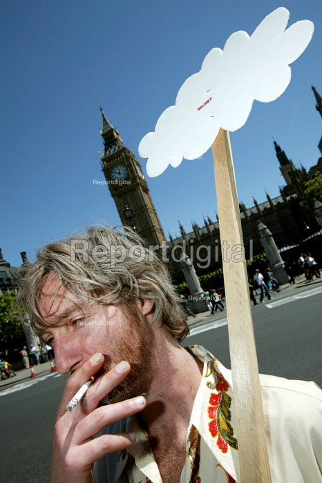 Demonstration to defend Surrealism and challenge restrictions to the right to protest in parliament Square organised by political satirist Mark Thomas and artist Tracey Moberly, Parliament Square, Westminster, London. - Jess Hurd - 2006-06-03