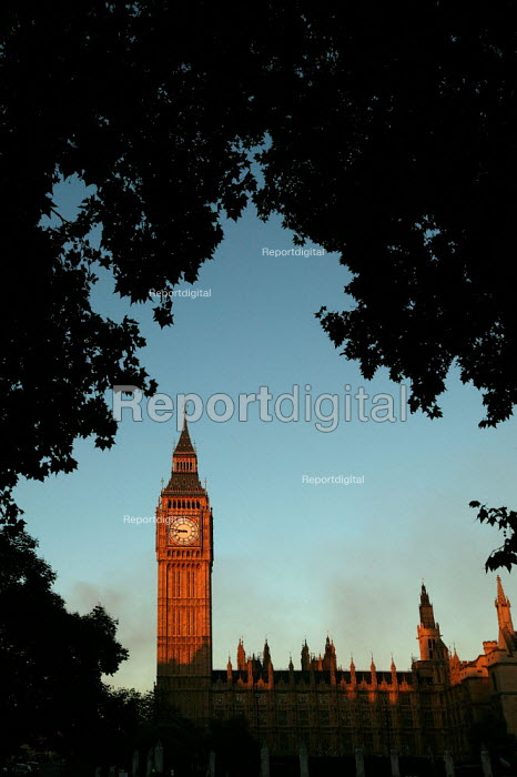 Houses of Parliament, Westminster. London. - Jess Hurd - 2006-07-14