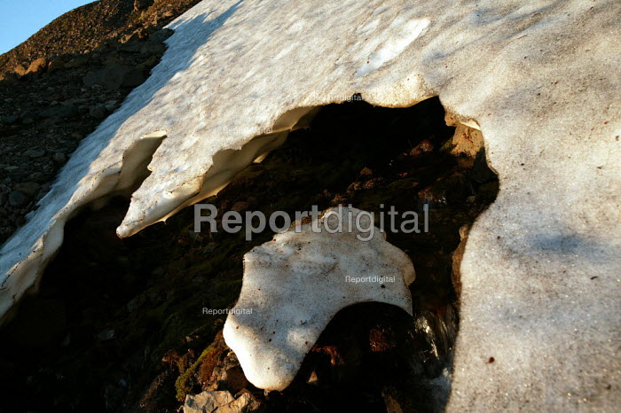 Melting glacial ice, Snaefell Mountain. Iceland. - Jess Hurd - 2006-07-23