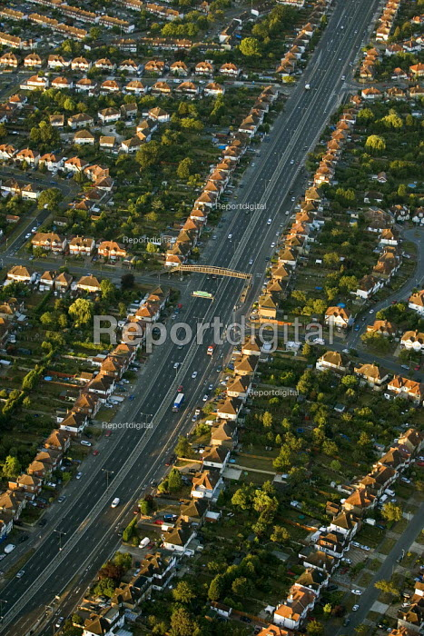 The A3 flanked by residential housing in South West London. Views over London from a hot air balloon. - Jess Hurd - 2006-08-08
