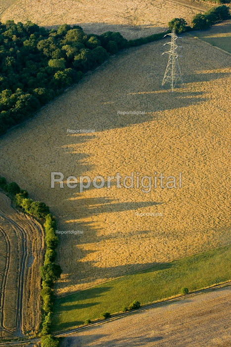 Views of the countryside over South West London from a hot air balloon. - Jess Hurd - 2006-08-08