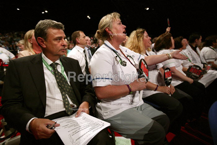 Unison trade union members in the NHS debate at the Labour Party Conference 2006, Manchester. - Jess Hurd - 2006-09-27