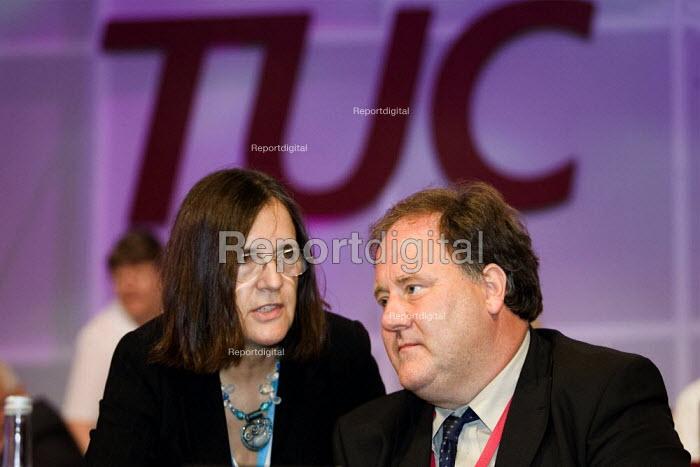 Billy Hayes and Jeanie Drake CWU. TUC Congress 2006, Brighton. - Jess Hurd - 2006-09-13