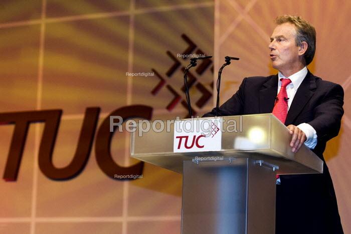 Prime Minister Tony Blair addresses TUC Congress 2006, Brighton. - Jess Hurd - 2006-09-12