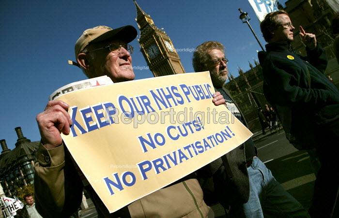 NHS Together lobby of parliament defending a public health service. National Pensioners Convention members call for an end to NHS cuts and privatisation. Westminster, London. - Jess Hurd - 2006-11-01